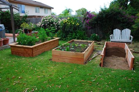 building vegetable boxes for a garden california