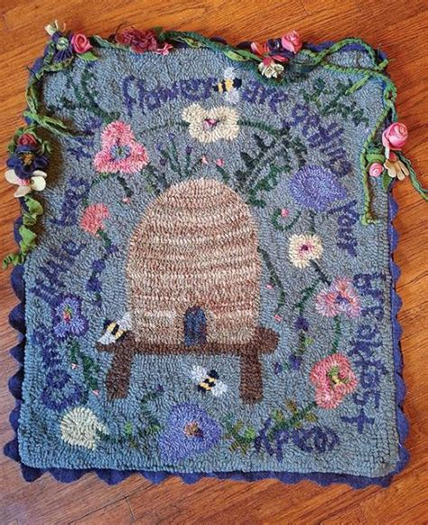 rug hooking supplies maine roses are violets are blue rughookingmagazine