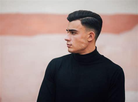 model rambut belah samping  pria terpopuler