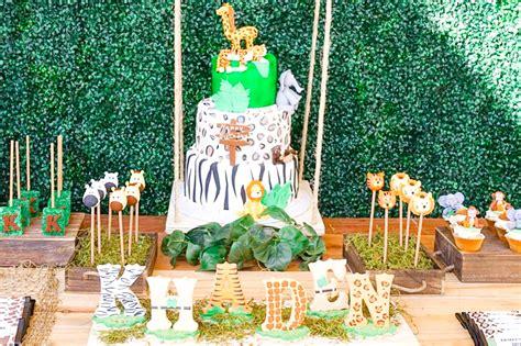 decorating with a safari theme 16 wild ideas wild jungle safari birthday party theme tinselbox