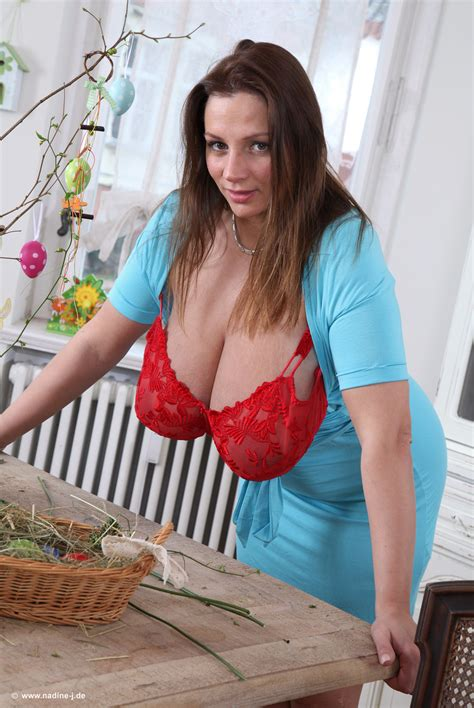 nadine jansen bathtub udderly amazing nadine jansen just moved in erotic girls