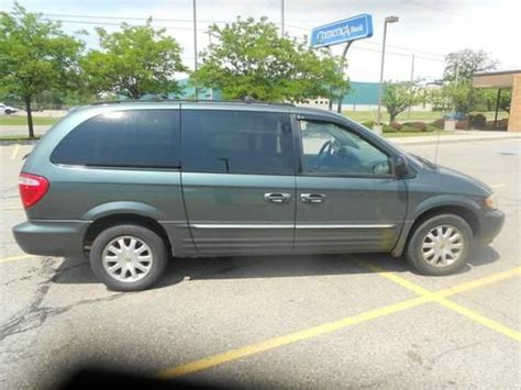 2002 chrysler town and country minivan buy used 2002 chrysler town and country minivan leather