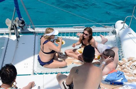 paseo en catamaran en cancun catamaran tours paseos y actividades en cancun