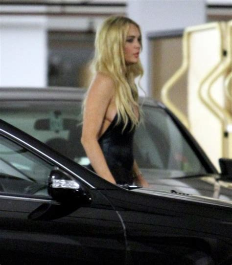 Lindsay Lohan Kicked Out Of Hotels by Lindsay Lohan At Mondrian Hotel In Los Angeles 03 Gotceleb