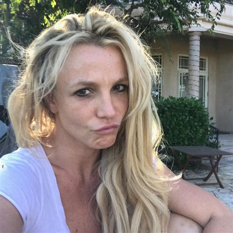 stars without makeup on instagram in 2017 britney spears shares make up free selfies this is the