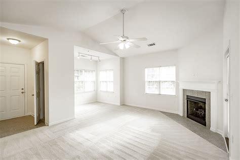 bedroom  sunroom floorplan  bed  bath robinhood court apartments  villas
