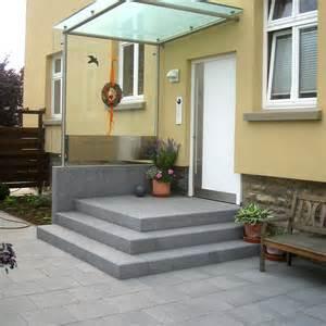 hauseingang mit treppe es mu 223 nicht immer naturstein sein steffen gmbh naturstein