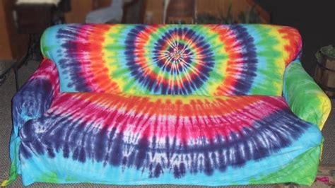 tie dye couch tie dye couch hippie at heart pinterest traditional