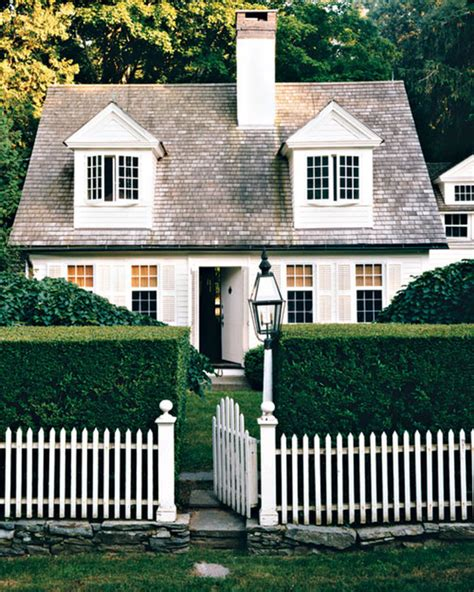 traditional style of cottage for your cottage style the cape cod cottage america s fairytale home