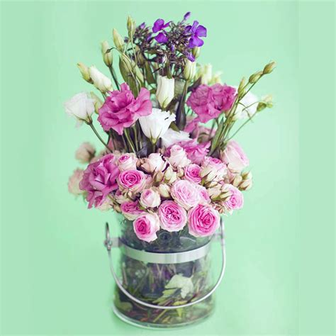 create a beautiful bouquet of country style flowers