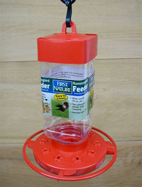 first nature 32oz red plastic hummingbird feeder 3055