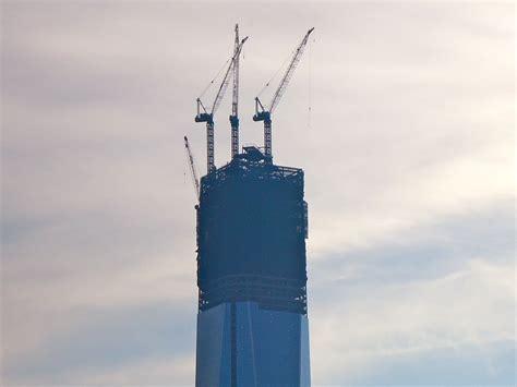 freedom tower adds third crane world trade rising