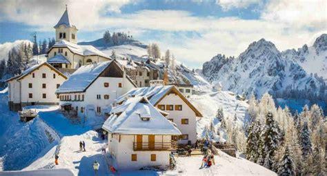 beautiful mountain villages  italy