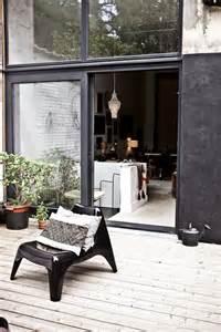 Black Modern Outdoor Walls