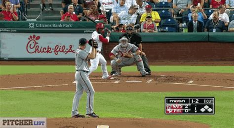 réduire format gif baseball gif create discover and share on gfycat