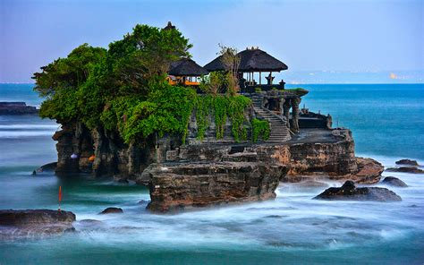 tanah lot   favorite travel sites  bali
