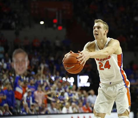 Uf Records Barry S Unique Free Throw Shooting Puts Him In Uf Record