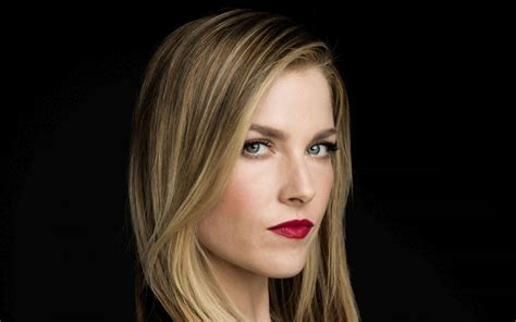 Ali Larter Makes Faces by Wallpaper Ali Larter Model Lipstick