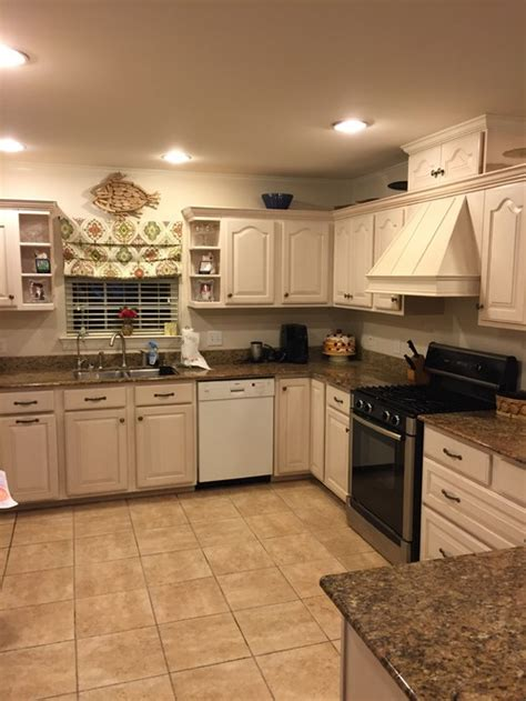 cream kitchen cabinets what colour walls wall paint for cream cabinets home everydayentropy com