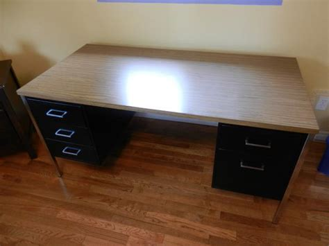 Used Metal Office Desk Metal Office Desk 60 X 30 Inch Top Cobble Hill Cowichan