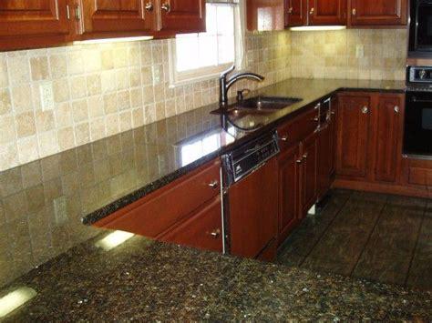 walnut travertine backsplash great home decor pretty