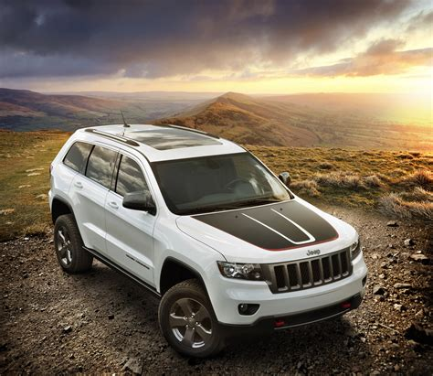 jeep grand cherokee trailhawk 2013 jeep grand cherokee trailhawk and wrangler moab