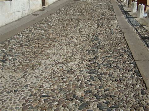 Pavers Wiki File Cobbled Paving Jpg Wikimedia Commons