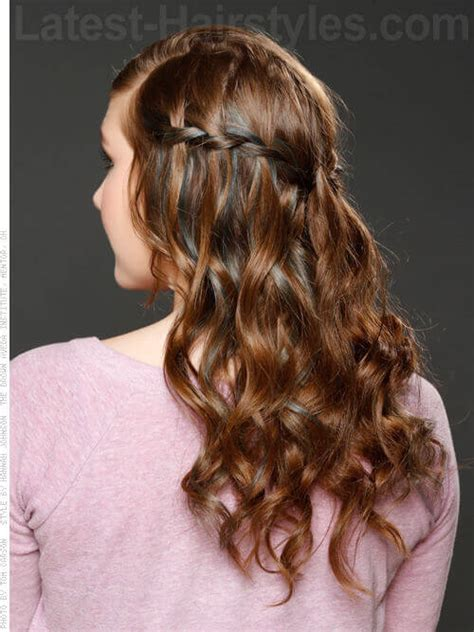 Hairstyles With Curls And Braids by 14 Gorgeous Braided Updos You Must Try