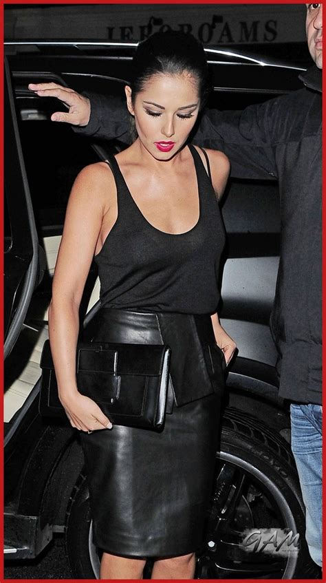 cheryl cole shows thin fidure in a lose fitting