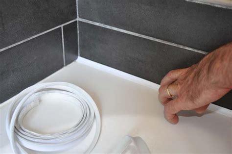 joint baignoire plastique un joint d 233 tanch 233 it 233 pr 234 t 224 poser decorer sa maison fr