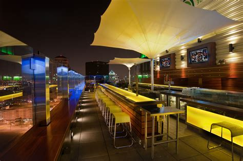 top bars in st louis st louis rooftop bar bar 360 paric general