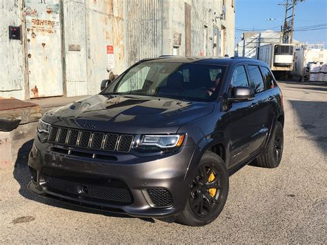jeep trackhawk colors 2018 jeep grand cherokee trackhawk at a glance chicago