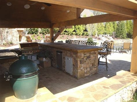 Backyard Bar And Grille Outdoor Kitchen Bar And Grill Traditional Patio Atlanta By Classic Pool