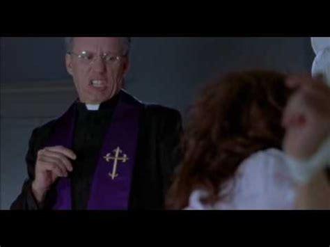 film the exorcist complet motarjam scary movie 2 la scene de l exorciste youtube