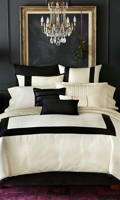 schwarze wand schlafzimmer wandfarbe schwarz 59 beispiele f 252 r gelungene innendesigns