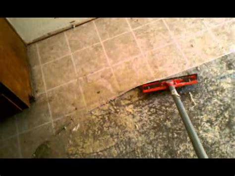 Best way to remove linoleum flooring, (Concrete)   YouTube