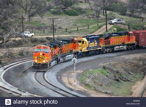 trains in america bnsf freight train at tehachapi loop california usa stock