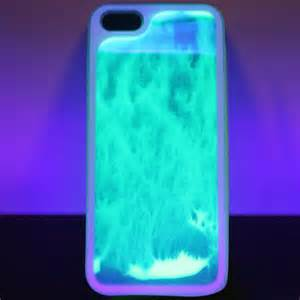 Light Up Iphone 5s Case A Mesmerizing Glow In The Dark Sand Art Case For The Iphone