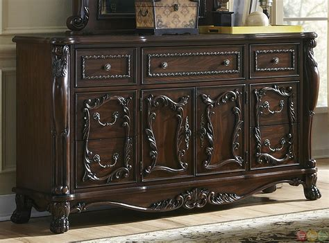 abigail antique style cherry bedroom set