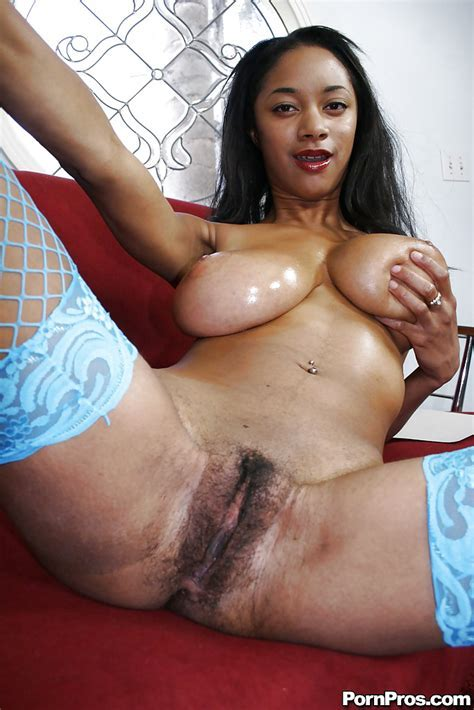 Black Girl With Huge Tits Tyra Moore Spreading Her Hairy Twat Pornpics Com