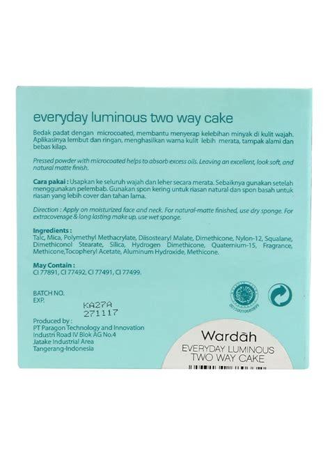 Wardah Luminous Two Way Cake 03 Ivory wardah luminous two way cake 03 ivory pcs 12g klikindomaret