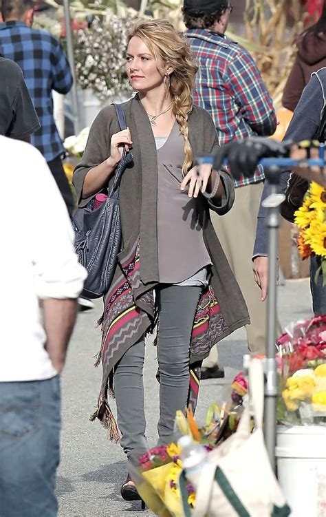 Style Becki Newton Fabsugar Want Need by Becki Newton In Becki Newton On The Set Of Quot Bites Quot 4