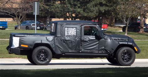 jeep pickup 2019 jeep scrambler wrangler pickup spied testing in the