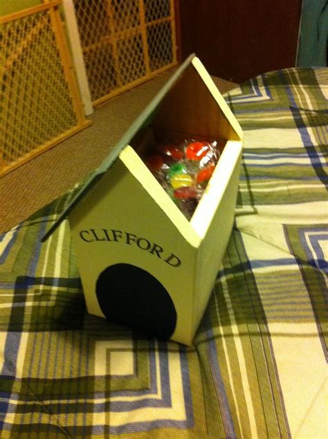 clifford the big red dog house clifford the big red dog candy dog house own