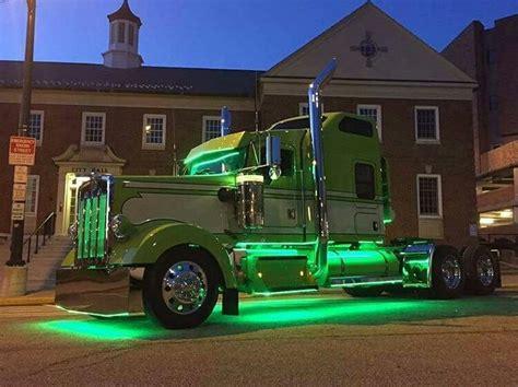 kenworth light duty trucks best 25 semi trucks ideas on custom big rigs