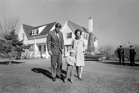 kennedy house jfk jackie kennedy s life in homes from newlywed love