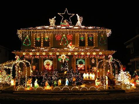 decorated christmas houses christmas decorations mansion the most insane houses with christmas decorations