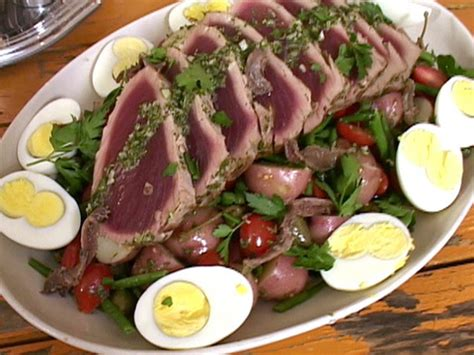 ina garten nicoise nicoise salad with seared tuna 0909 videos food network