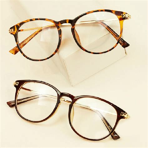 vintage frame glasses global business forum iitbaa