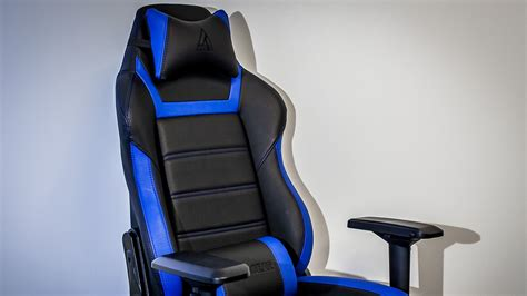 best gaming couch 10 best gaming chair for gamers tech quintal